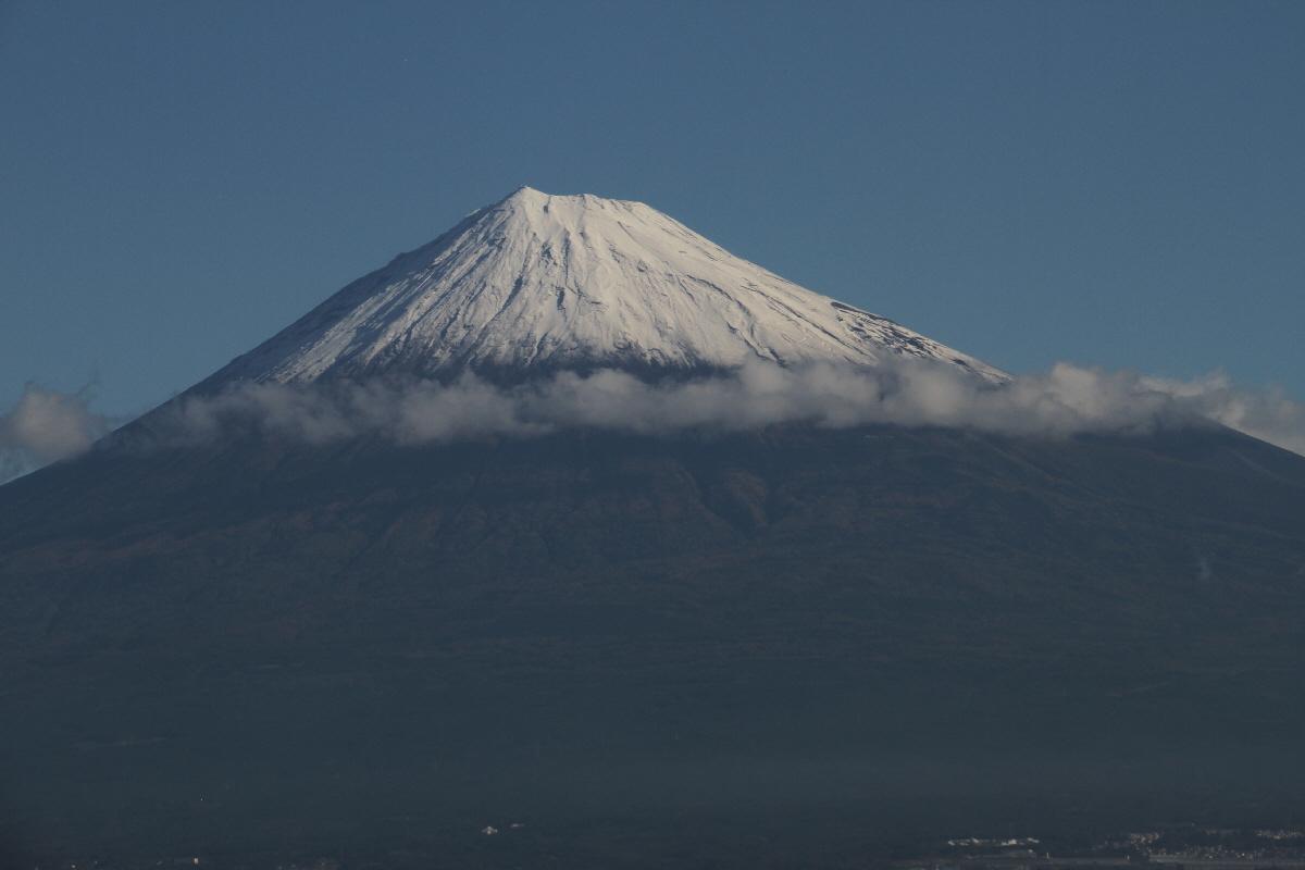 富士山隠れスポット初冠雪