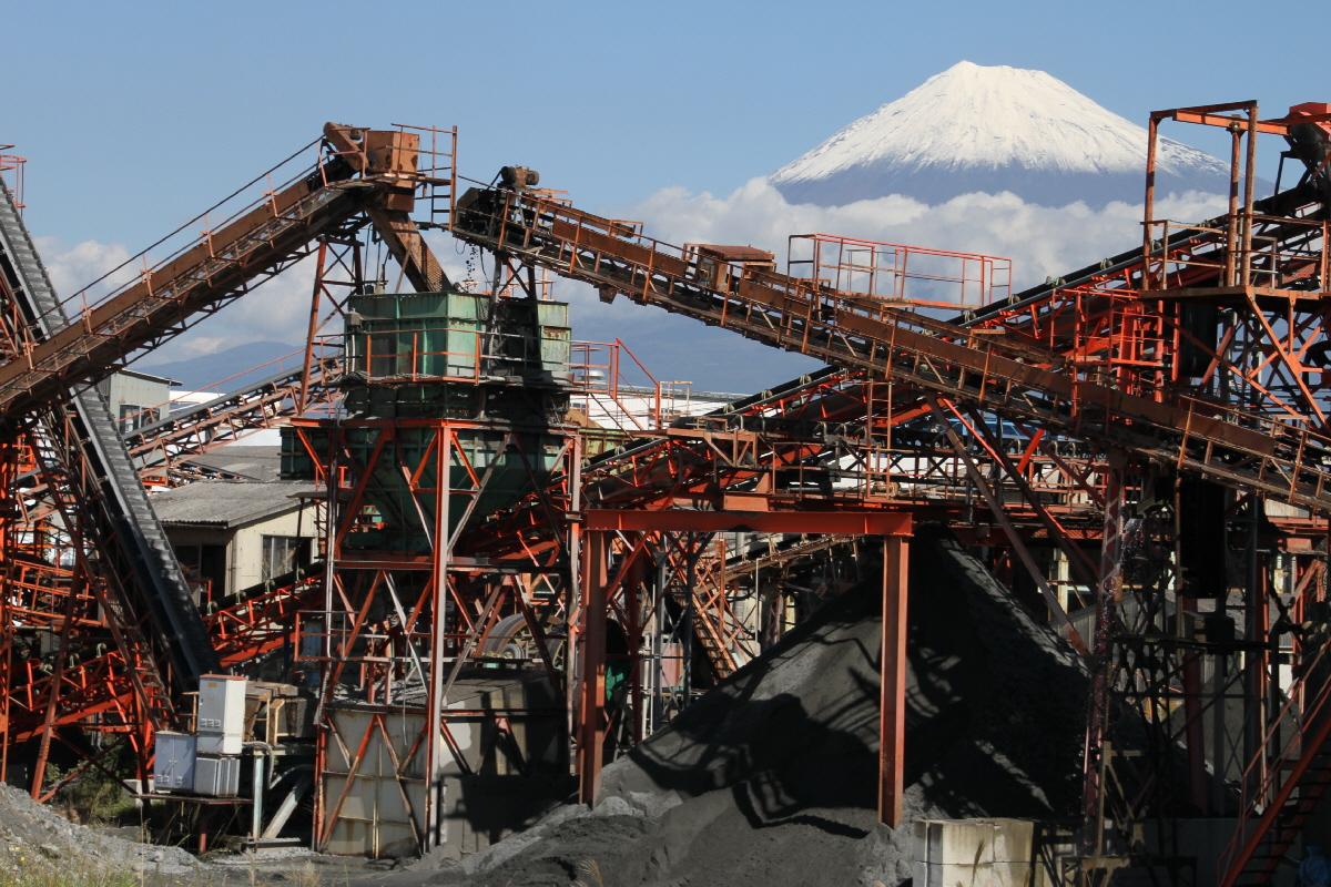 富士山隠れスポット砂利機械富士