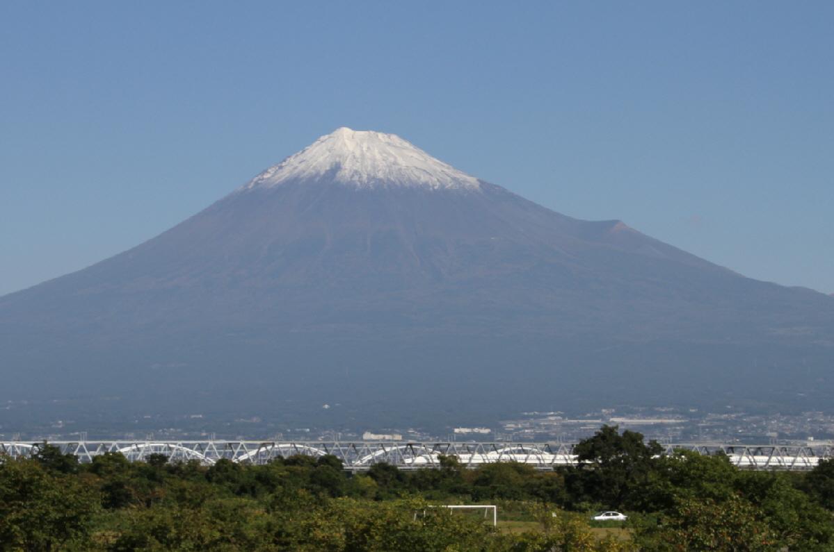 富士山隠れスポット全景