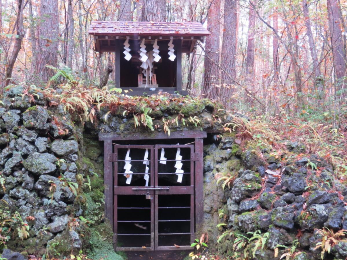 富士山隠れスポット吉田胎内神社