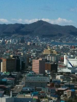 A10.04.28 遠く函館山 014