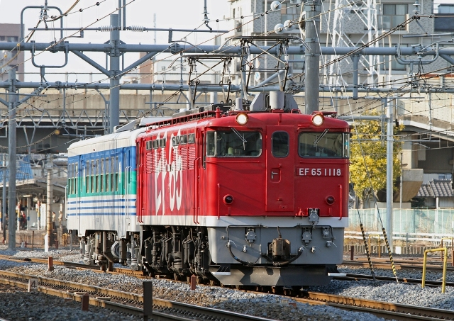 EF65-1118+キハ37-1002 配8384 久留里線キハ37 KY出場