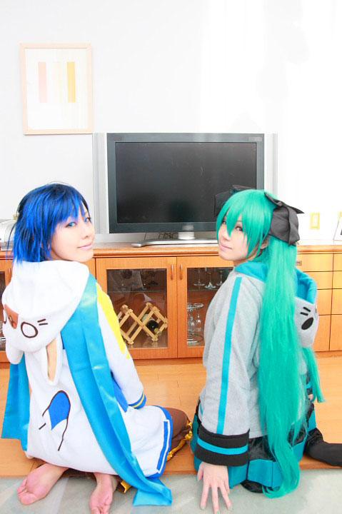 VOCALOID/初音ミク&KAITO/ うちのKAITOとミクが部屋着でまったりしていたのですが/コスプレ