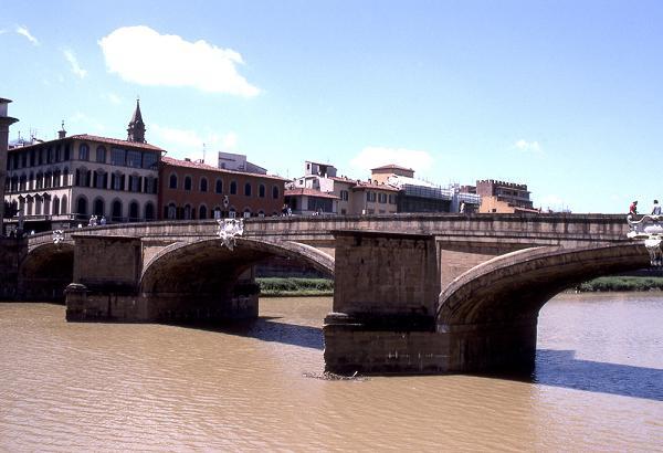 トリニタ橋