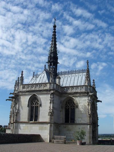 礼拝堂の中にある墓
