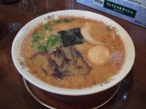 3/13 豚骨醤油ラーメン味玉入り 哲麺