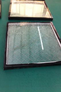 窓のガラス2