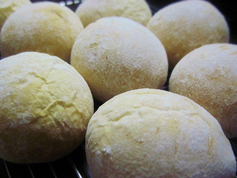 手作りパン (800x600)