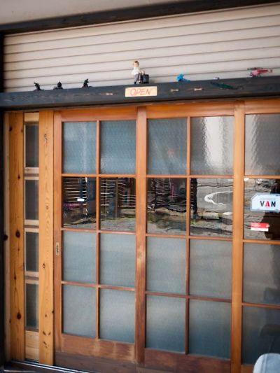 hitoshirezu-ya 店の外観