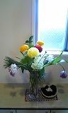 sH25年2月玄関のお花