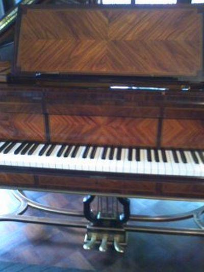 太田黒ピアノ111009_0956~01