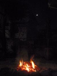三日月と焚き火2
