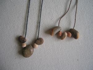 石のネックレス
