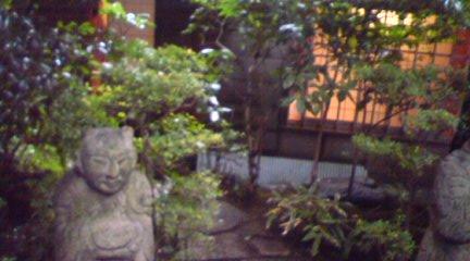 仏像と茶室