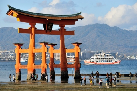 shinto shrine archway