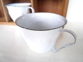 ホーローカップφ7.5×H5.5cm(持ち2cm手)