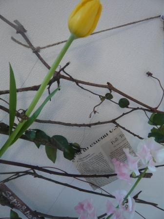 2012.2-3小枝のタピストリーp3