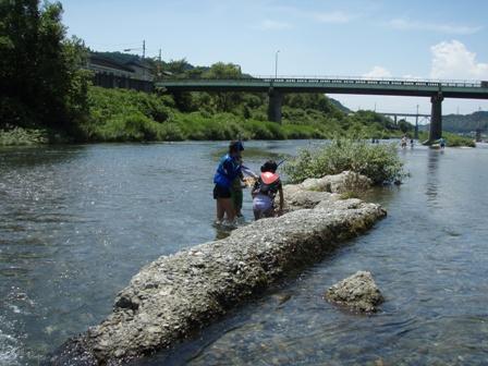 子供たちと吉野川
