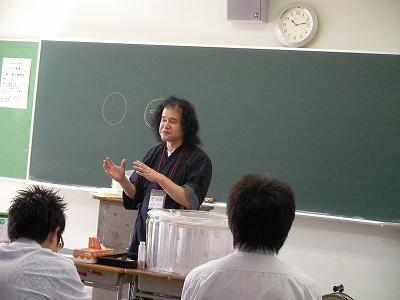 後藤洋一さん「自由に模様をガラスに彫刻する」