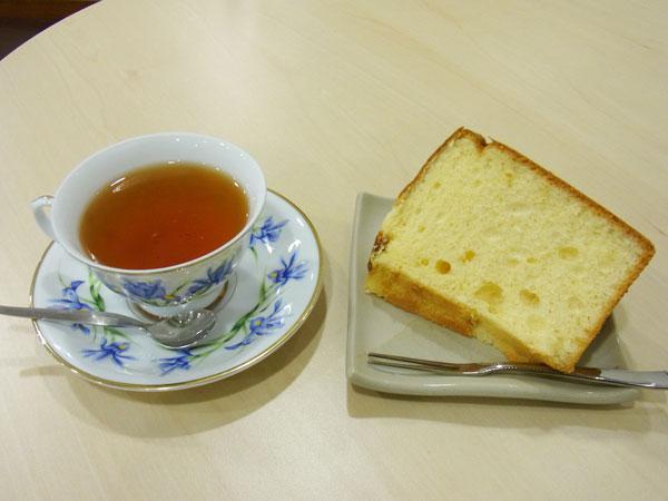 Cafeスマイルさんの紅茶&ケーキ
