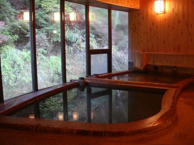 初谷温泉の浴室