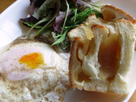 10.04.20りんごパン_朝食