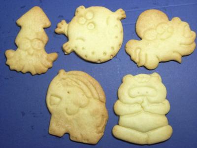 10.04.28型抜きクッキー1