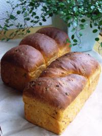 10.06.27バジルトマトのパウンド食パン
