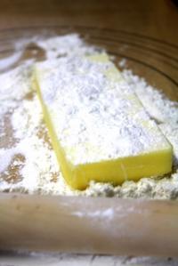 10.08.10白い生地_バター