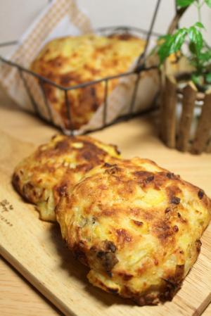10.08.23ジャガイモと玉葱のパン