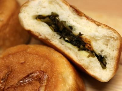 11.01.18えび高菜のパン