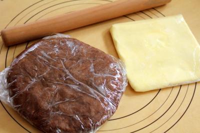 11.01.21黒い生地とバター