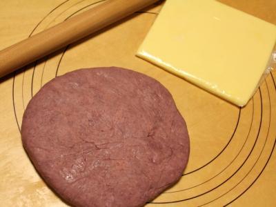11.01.25紫色の生地とバター
