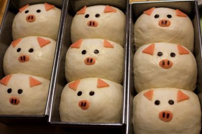 11.08.063匹の子豚_焼成前