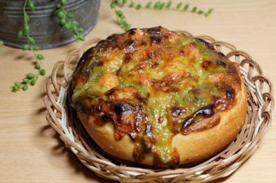 11.08.11グリーンカレーの焼きカレーパン