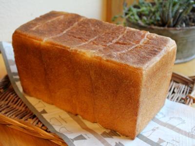 11.09.04クリーミーバター食パン