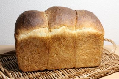 11.09.26トマト酵母食パン