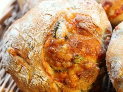 11.10.10ルッコラとパルミジャーノのリュスティック_チーズこんがり