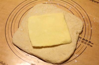 11.12.15デニッシュ食パン_ロールイン