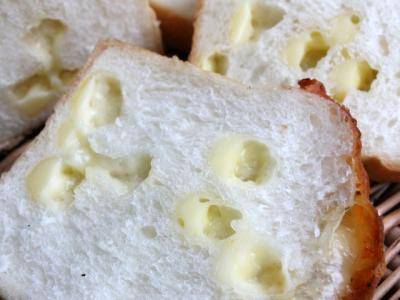 11.12.22チーズ食パン_クラム