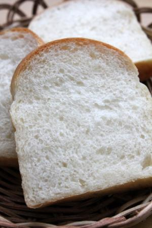12.01.20パウンド食パン_クラム
