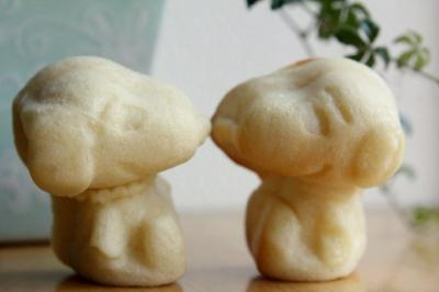 12.01.31型抜きミルクパン_スヌーピー