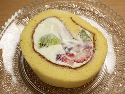 12.04.14フルーツロールケーキ