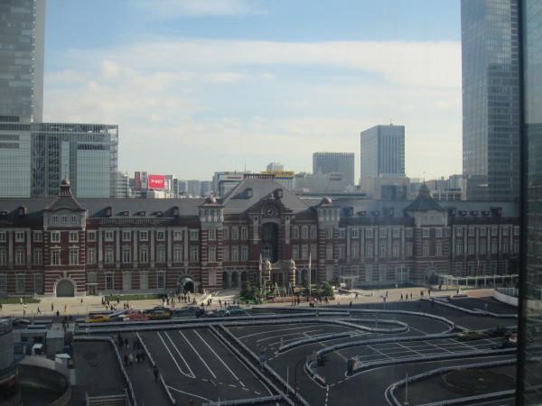 東京駅中央口付近