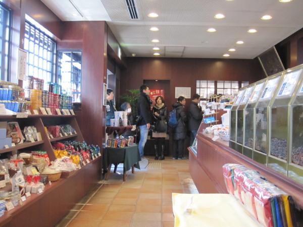 イノダコーヒー店内