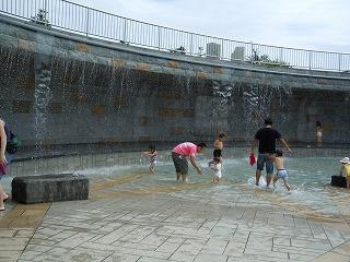 噴水プール