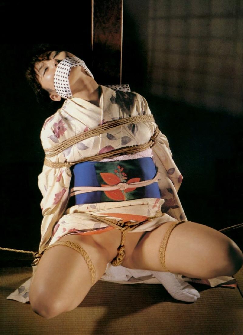縄 緊縛 股 股間に食い込む縄に感じる女たち