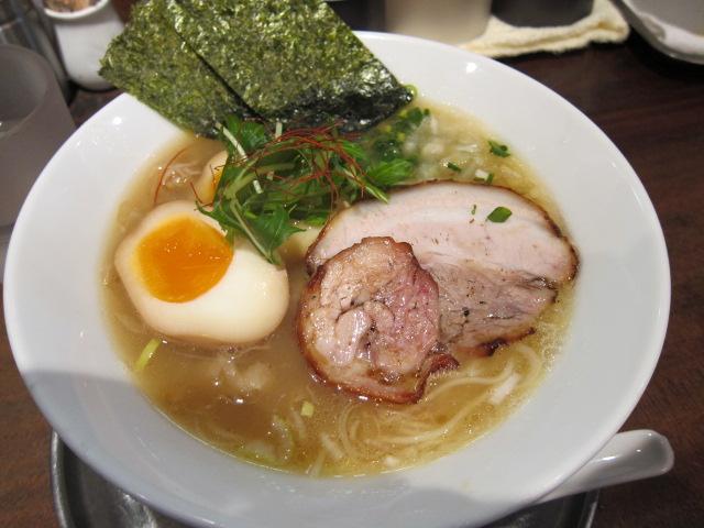 銀狼 鶏白湯