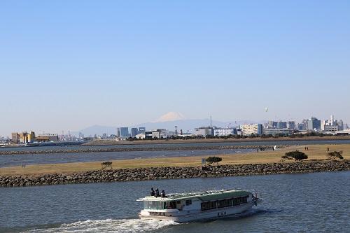 5E0C7996富士山と水上バス