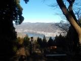 見晴台から相模湖を望む